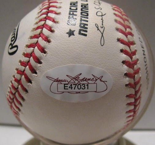 JOHNNY BENCH SIGNED BASEBALL w/JSA COA