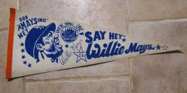 VINTAGE 1973 WILLIE MAYS NY METS SAY HEY PENNANT
