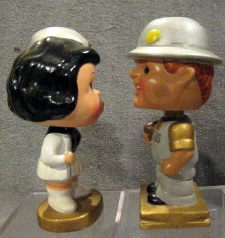 60's PITTSBURGH STEELERS  KISSING PAIR BOBBING HEADS