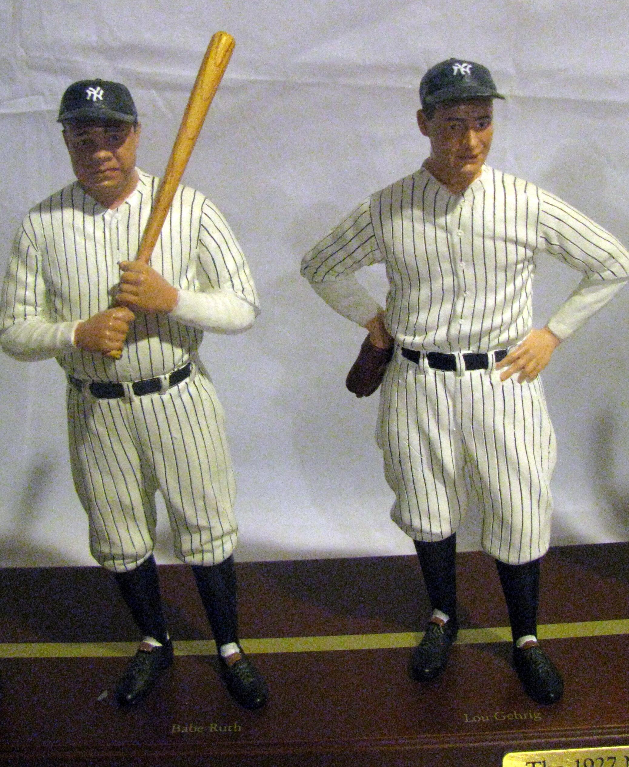 Lot detail 1927 new york yankees danbury mint team statue for The danbury