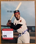 HANK AARON SIGNED COLOR PHOTO /CAS AUTHENTICATED