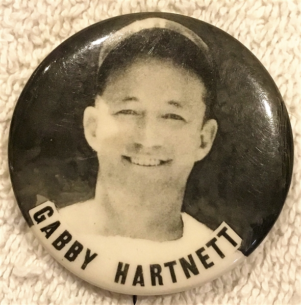 40's GABBY HARTNETT PM-10 PIN - CHICAGO CUBS