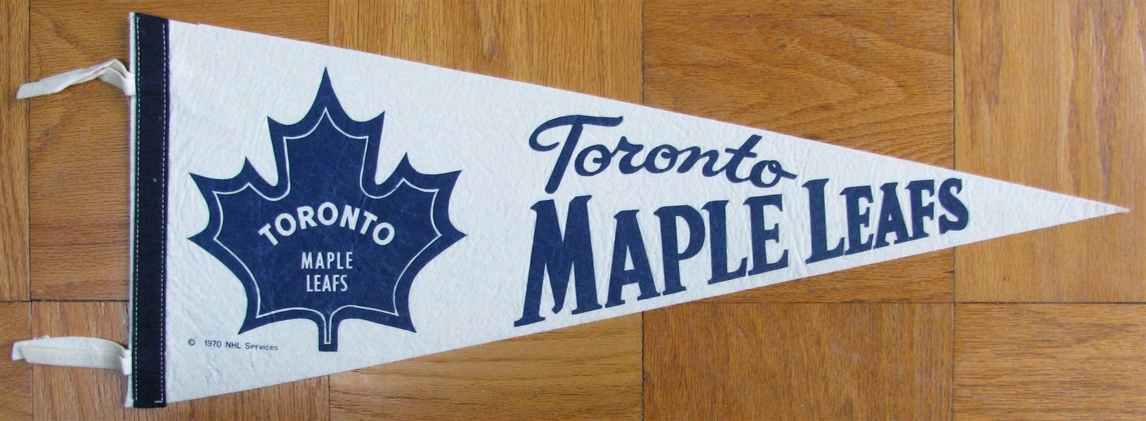 70's TORONTO MAPLE LEAFS PENNANT